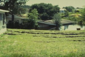 Image - Home engulfed by Sinkhole
